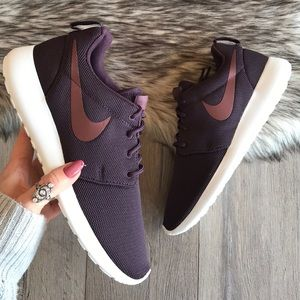 nike roshe port wine